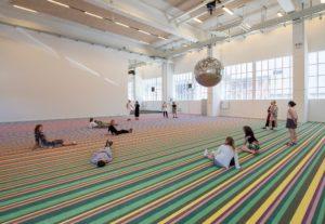 Dyrk yoga på kunstmuseum